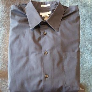 🔥🔥 Elegant Van Heusen dress shirt - Large